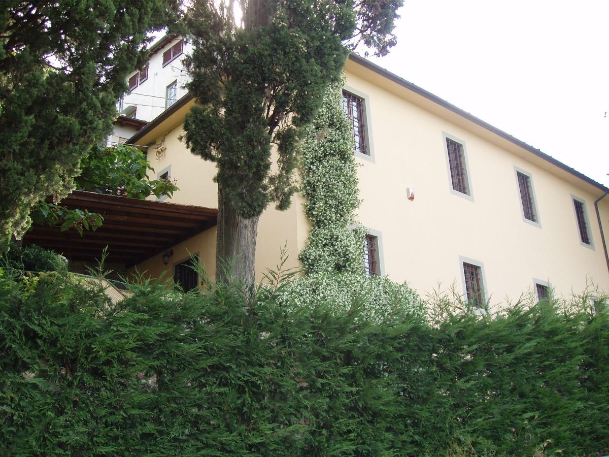 Rustico / Casale in vendita a Massarosa, 5 locali, prezzo € 790.000 | CambioCasa.it