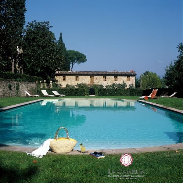 Rustico / Casale in affitto a Capannori, 20 locali, prezzo € 32.500 | CambioCasa.it