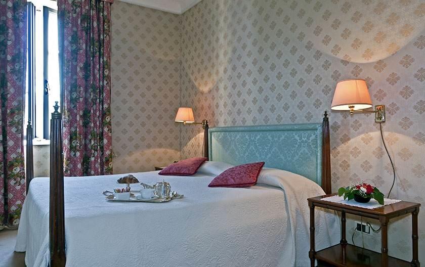 Albergo/Hotel Lucca LU1032072
