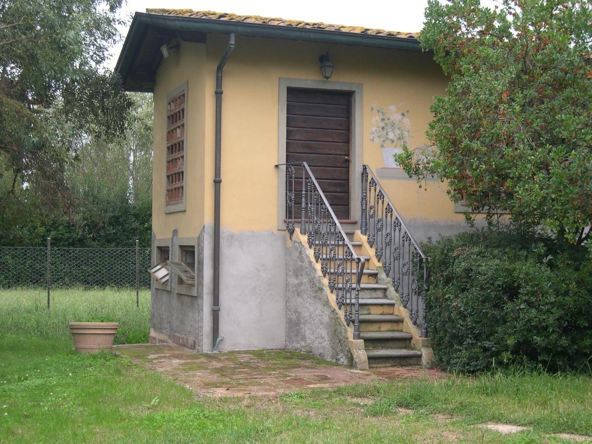 Vendita Casolare Massarosa - Villa di Campagna - Pian di ...