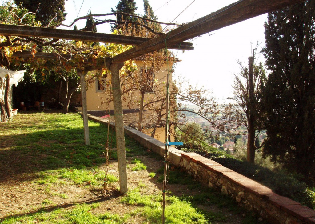 Sale Farmhouse Massarosa - Panoramic House for sale sea and lake view on the hills of Versilia Locality