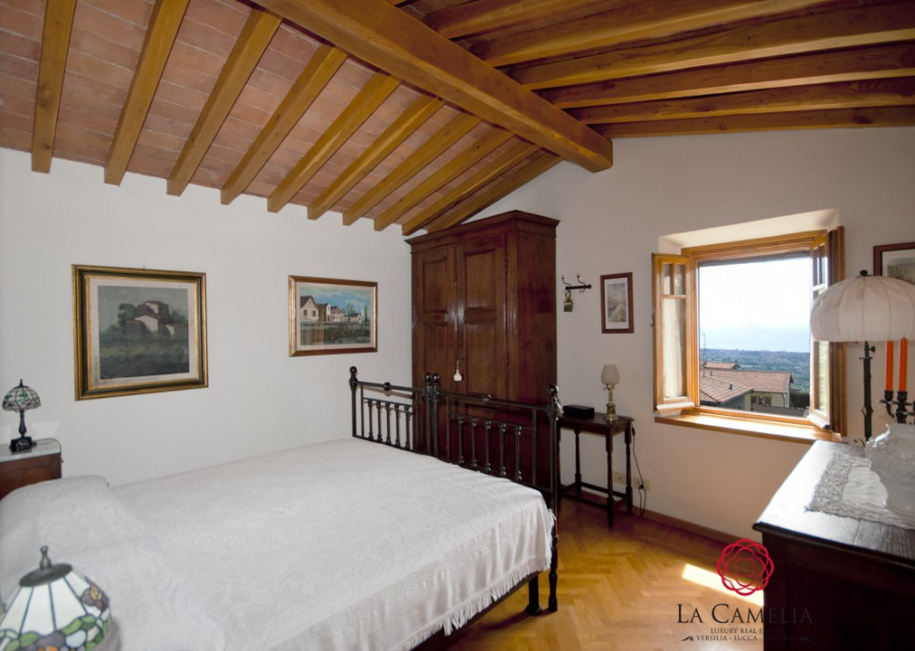 Sale Farmhouse Pietrasanta - Typical Tuscan Stone House on the hills above Pietrasanta Locality