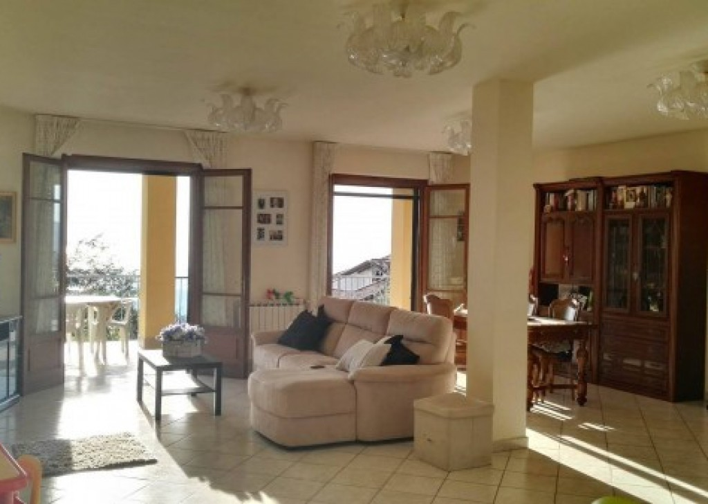 Sale Villa Massarosa - Hills above Massarosa -  Panoramic villa for sale with garden and seaview Locality