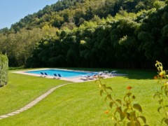 Farmhouse surrounded by the greenery of the Camaiore Hills - 5
