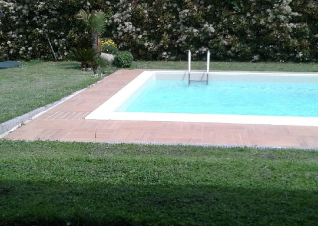 Sale Villa Lucca - Country villa with swimming pool  - Lucca countryside Locality