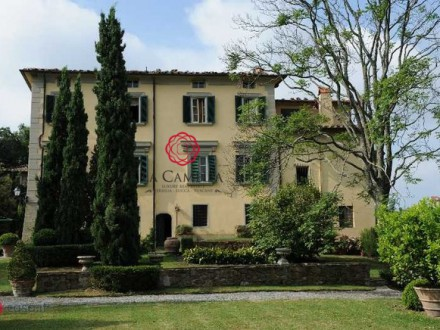 Hills of Camaiore - Historical prestige Villa with beautiful sea view and swimming pool