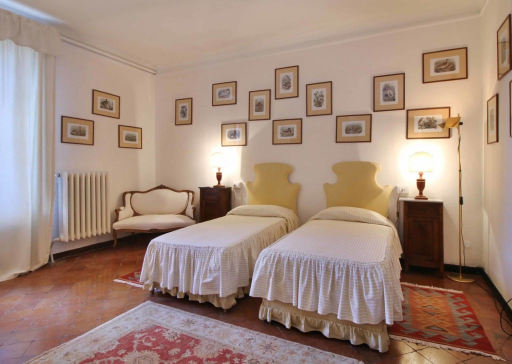Holiday Rentals Villa Lucca - Elegant Villa with pool and spectacular views of the hills above Lucca Locality