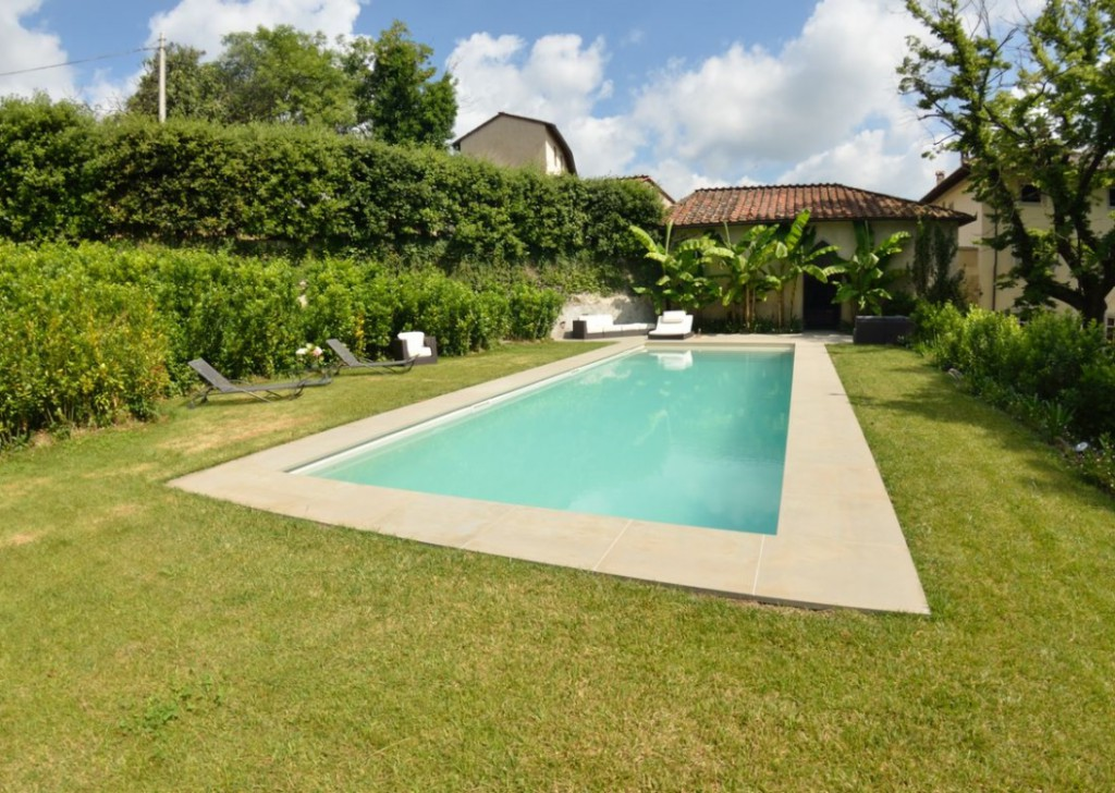 Rent Villa Lucca - Holiday villa with swimming pool near Lucca, Tuscany Locality